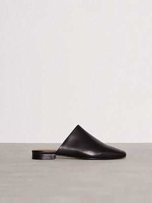 Filippa K Sue Slip-On Shoe Svart