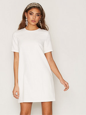 NLY Trend Flirt Me Tshirt Dress Vit