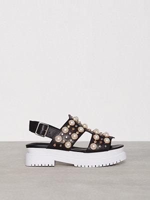 Sandaler & sandaletter - Jeffrey Campbell Pilos-Stud Svart