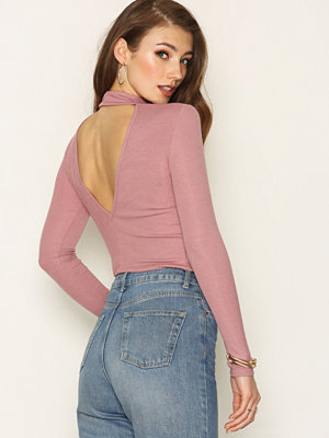 NLY Trend Rib Open Back Polo Rose