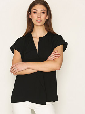 By Malene Birger Tobson Shirt