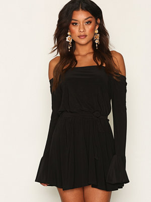 NLY One Off Shoulder Playsuit Svart