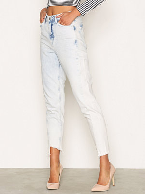 Topshop MOTO Bleach Twisted Seam Mom Jeans White