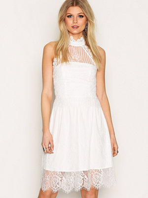 Sisters Point Dream Lace Dress Cream