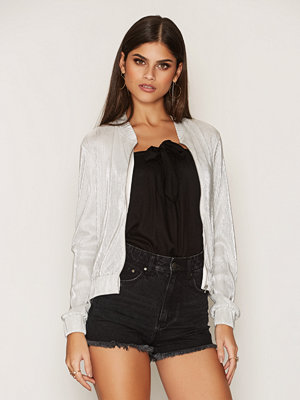 NLY Trend Pleated Bomber Jacket Champagne
