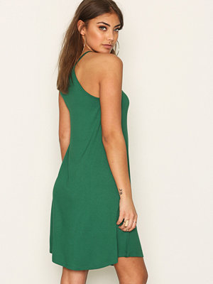 NLY Trend Flowy Strap Dress Grön