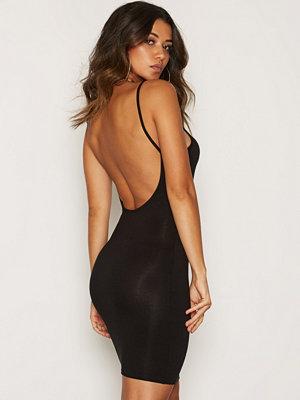 NLY One Low Back Mini Dress Svart