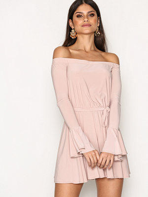 NLY One Off Shoulder Playsuit Rosa
