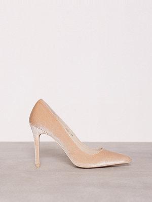NLY Shoes Slim Pump Velvet Beige
