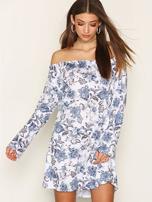 NLY Trend Off Shoulder Print Dress