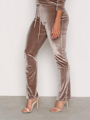NLY Trend byxor Velvet Lounge Set Pants Desert Sand