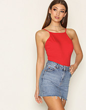 NLY Trend Tight Neckline Body