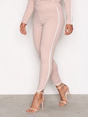 NLY Trend persikofärgade byxor Sporty Joggers Beige