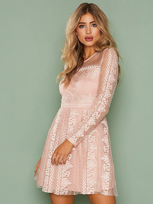 NLY Trend Expose Me Dress Rosa