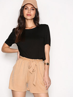 NLY Trend Dressed Tie Shorts Beige