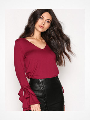 NLY Trend Knot Trumpet Sleeve Top