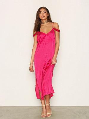 NLY Trend Fashionista Slip Dress Fuchsia