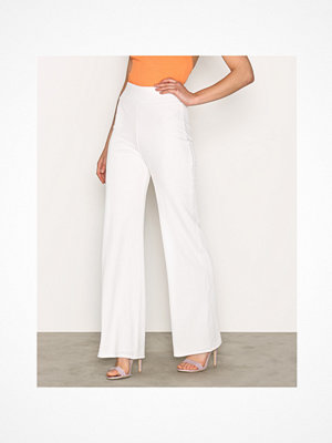 NLY Trend vita byxor Crepe Straight Pants Vit