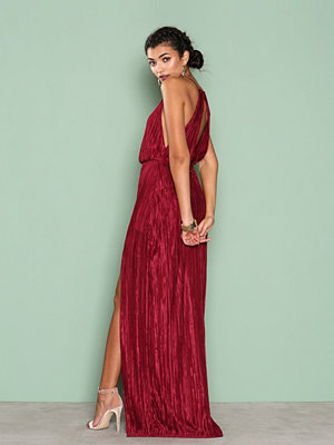 NLY Eve Yours Truly Gown Burgundy
