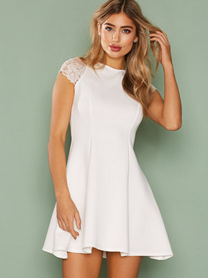 NLY One Lace Cap Sleeve Dress Vit