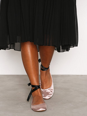 Ballerinaskor - New Look Suedette Tie Up Pumps Pink