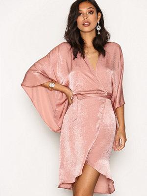 NLY One Wrap Kimono Midi Dress Rose