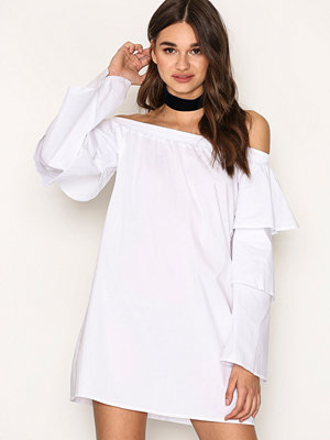 Missguided Layer Sleeve Bardor Dress White