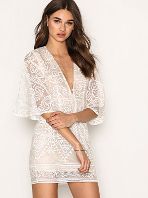 Missguided Kimono Flared Sleeve Lace Bodycon Dress Champagne