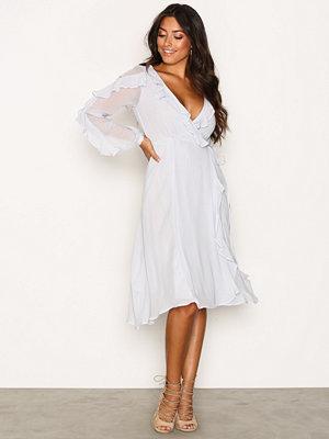 Glamorous LS Wrap Frill Dress Light Grey