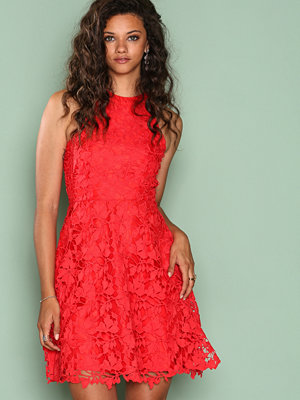 NLY One Scallop Lace Dress Röd