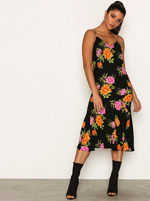 New Look V Neck Floral Print Midi Dress Black Print