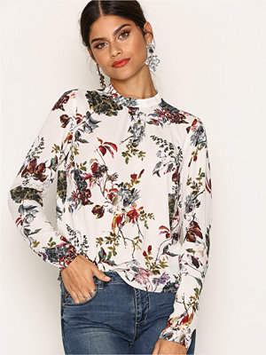 NLY Trend Dream Way Blouse Mönstrad