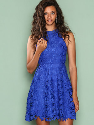 NLY One Scallop Lace Dress Blå