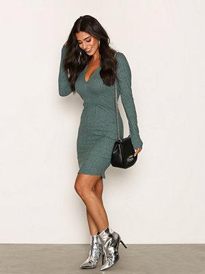 NLY Trend Deep V Wide Rib Dress Mörk Grön