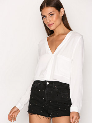 Topshop MOTO Stud Mom Shorts Washed Black