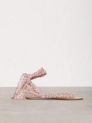 NLY Shoes Lace Sandal Leo