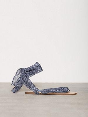 Sandaler & sandaletter - NLY Shoes Lace Sandal Blue Stripe