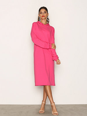 NLY Trend Midi Sweat Dress Rosa