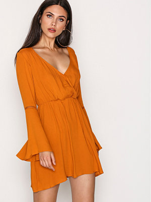 Missguided Waisted Flared Sleeve Dress Orange