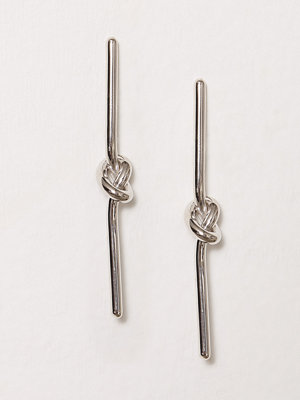 SOPHIE By SOPHIE örhängen Knot Stick Earrings Silver