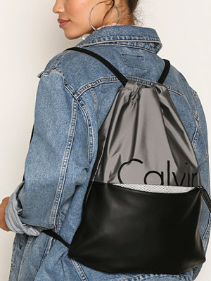 Calvin Klein omönstrad ryggsäck K60K603770902 Grey