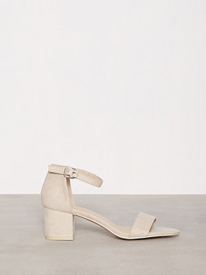 NLY Shoes Low Block Heel Sandal Beige