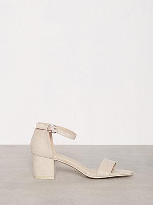 Pumps & klackskor - NLY Shoes Low Block Heel Sandal Beige