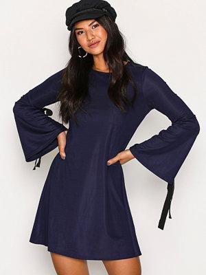 Glamorous Knot L/S Dress Navy