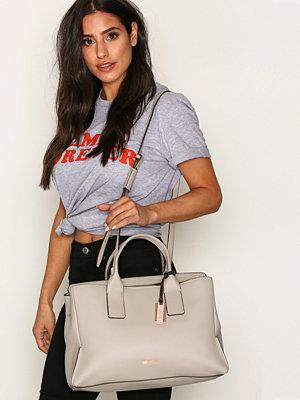 Handväskor - Calvin Klein MILLI3 Business Tote Dove