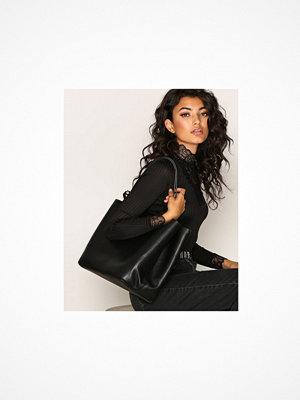 Handväskor - Pieces Pckopa Shopper Svart