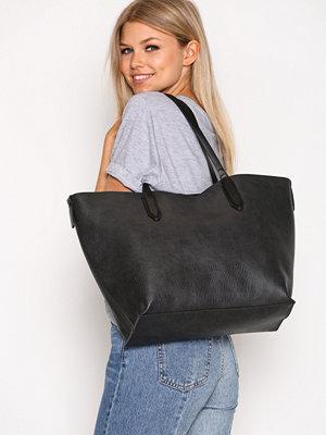 Handväskor - Pieces Pcsonia Shopper Svart