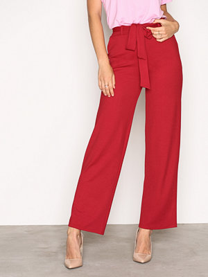 NLY Trend röda byxor Dressed Wide Pants Lollipop