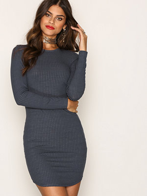 NLY Trend Wide Rib Round Neck Dress Grå