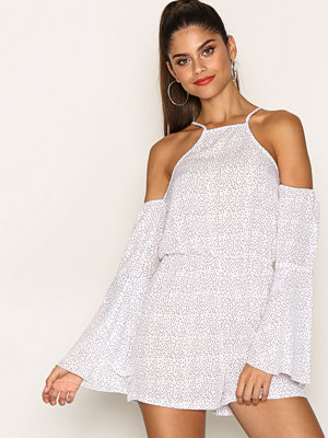 Jumpsuits & playsuits - Missguided Flare Sleeve Cold Shoulder Playsuit White